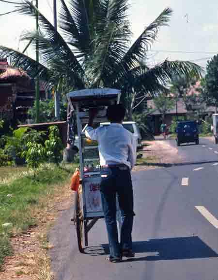 Balinese soup vendor in Ubud